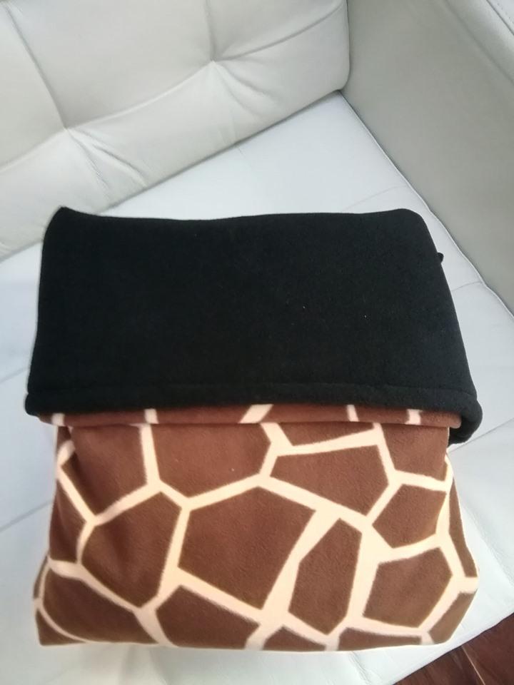 GaryB-Complete-Blanket-giraffe-print